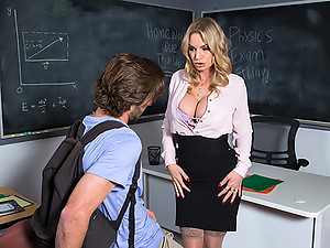 professor Rachael Cavalli gives her student a perfect goodbye fuck
